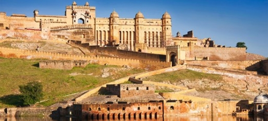 £695pp -- Solo travel: 7-nt India Golden Triangle escorted group tour