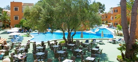 7 nights at the 3* HSM Club Torre Blanca, Sa Coma, Majorca