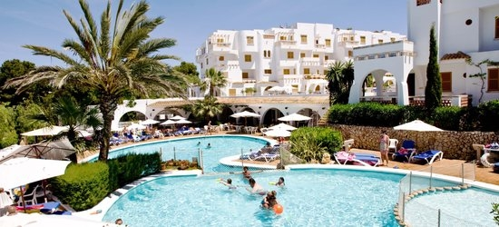 7 nights at the 3* Gavimar la Mirada Club Resort, Cala d'Or, Majorca