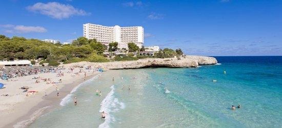 7 nights at the 4* Globales America, Cales de Majorca, Majorca
