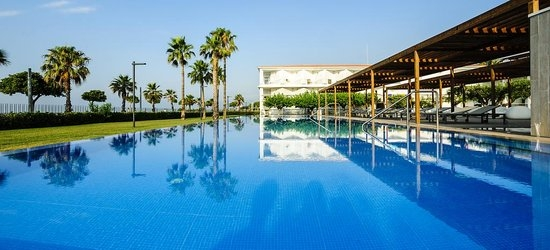 7 nights at the 4* Estival el Dorado Resort, Cambrils, Costa Dorada