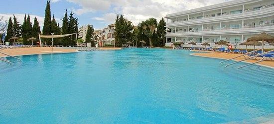 7 nights at the 3* Hotel Club Palia la Roca, Benalmadena, Costa del Sol