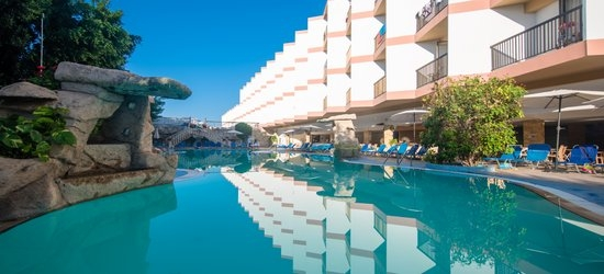 7 nights at the 4* Avlida Hotel, Paphos