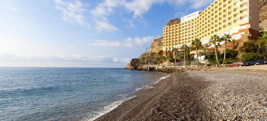 7 nights at the 4* Diverhotel Aguadulce, Aguadulce, Andalucia