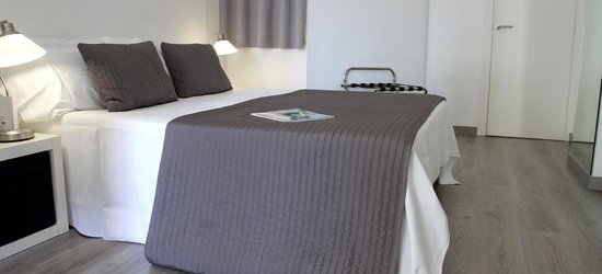 3 nights at the 3* Aparthotel Atenea Calabria, Barcelona, Costa Brava