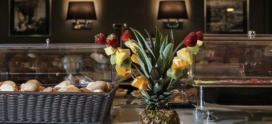 3 nights at the 3* Best Western JFK Hotel, Naples, Neapolitan Riviera