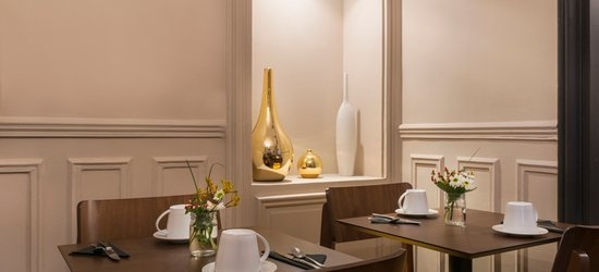 3 nights at the 3* De la Porte Doree, Paris, Ile de France