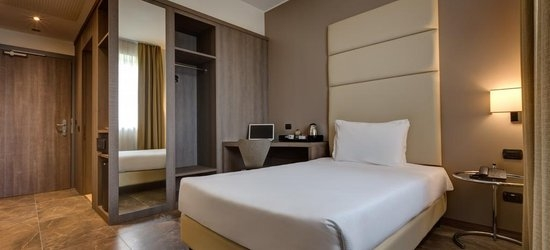 3 nights at the 4* Klima Hotel Milano Fiere, Milan, Lombardy