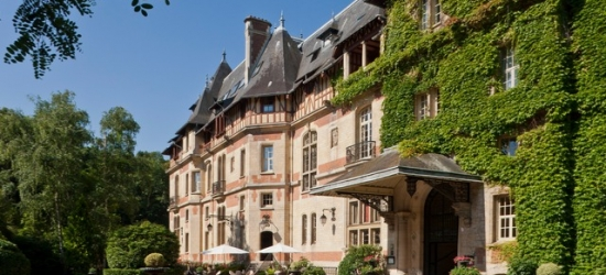 Enchanting self-drive France holiday with chateau & city stays, Chantilly Forest, Reims & Paris