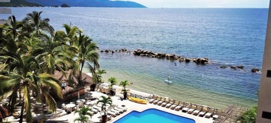 £83 -- Puerto Vallarta Beachfront Hotel w/Breakfast