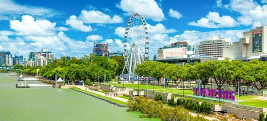 £68 -- Central Brisbane Hotel w/Parking & Late Checkout, Save 42%