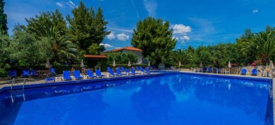 Halkidiki 4* family-run hotel, 100m from the beach