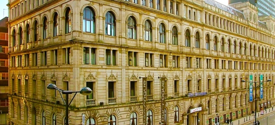 Manchester: 1 Night for Two with Breakfast, a Bottle of Wine and Option for Dinner at Britannia Hotel Manchester