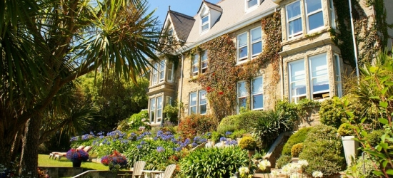 Cornwall: 1 to 3 Nights for Two with Breakfast, Prosecco and Option for Cream Tea and Dinner at 4* Hotel Penzance