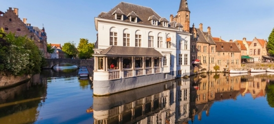 Bruges: Classic Twin or King Room for Two with Optional Breakfast at 4* Hotel Velotel Brugge