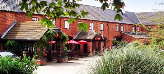 £69 -- Lincolnshire stay with 3-course dinner, 41% off