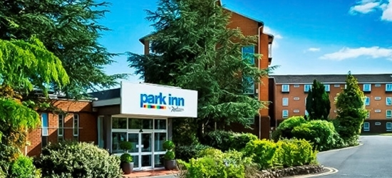 Cardiff: Double Room for Two with Breakfast and Option for Dinner and Wine or Pizza and Drinks at Park Inn Cardiff North