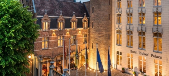 Bruges: Superior Room with Breakfast for Two at Hotel Dukes' Palace
