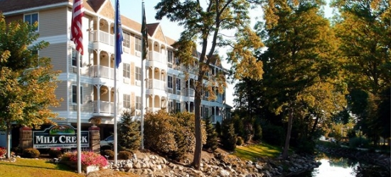 £83 -- Wisconsin: Suite Stay in Lake Geneva, 40% Off