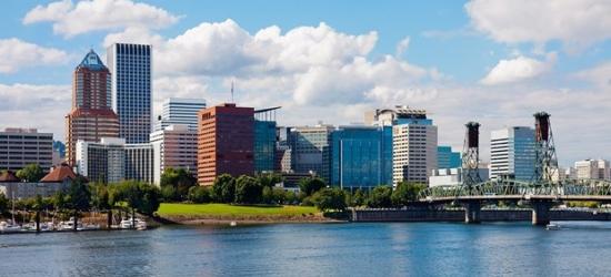 £114 -- Visit Portland: Weekend Hilton Stays w/Valet