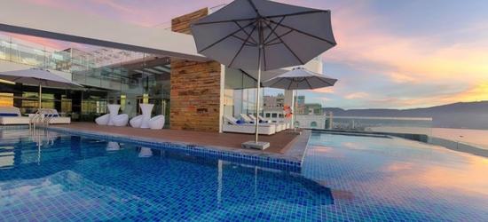 £141-- 3-Night Sea View Retreat in Da Nang incl. New Year's Eve