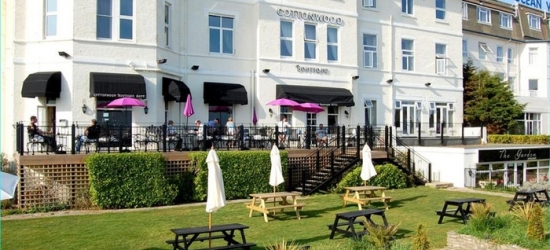 Bournemouth: Double or Twin Room for Two with Breakfast, Prosecco and Late Check-Out at The Cottonwood Boutique Hotel