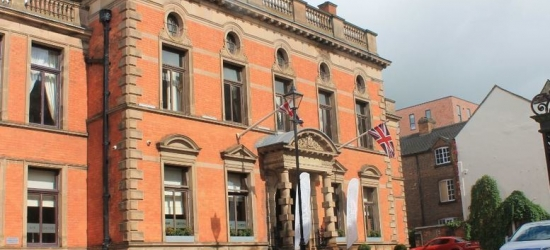 4* Derby Getaway, 3-Course Fine Dining, Prosecco & Late Check Out for 2