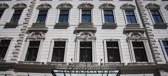 3 nights at the 4* Three corners Bristol Hotel, Budapest