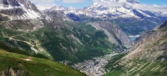 Win a week for two in Val d'Isere