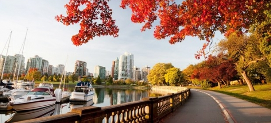 £68 -- Vancouver Stay near Stanley Park, Reg. £132