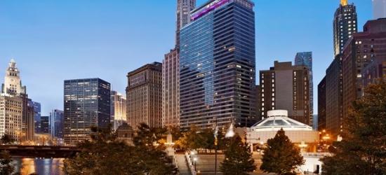 £90 -- Chicago Riverfront Hotel w/Breakfast, Save 55%