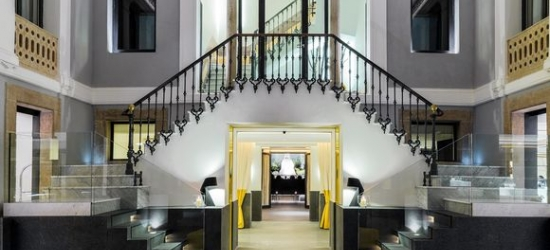 Barcelona - Striking Design Hotel near Las Ramblas at the H10 Urquinaona Plaza 4*