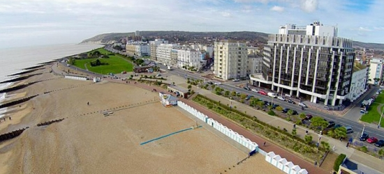 East Sussex: Double Room with Breakfast and Option for Wine at The View Hotel Eastbourne
