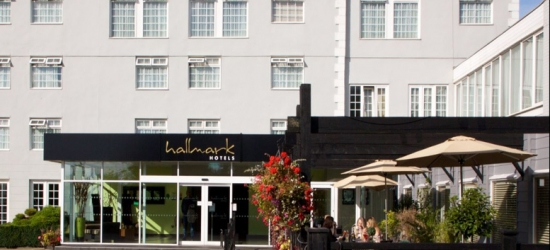 4* Manchester Stay, Leisure Access, Wine, B'fast & Dinner for two