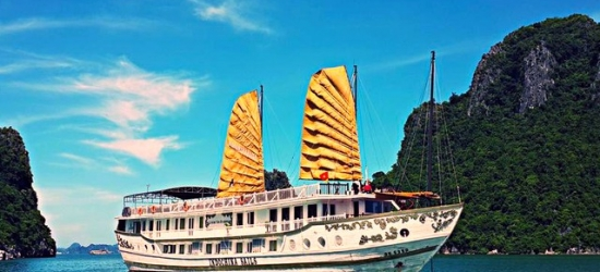 Enchanting Vietnam tour with unforgettable Halong Bay cruise, Hanoi, Halong Bay, Hue, Hoi An & Ho Chi Minh City