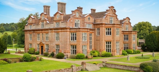 £109 -- Kent mansion getaway inc dinner & G&T, save 44%