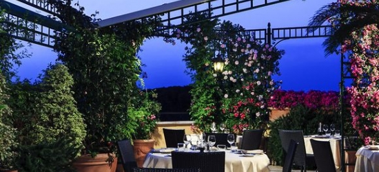 Elegant 4* hotel with romantic roof garden in Rome