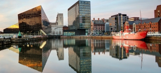 Liverpool: Stay for Two People with Breakfast and Bottle of Prosecco at 4* The Richmond Hotel Liverpool
