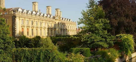 2nt Romantic Royal Cambridge Hotel City Stay & Breakfast for 2