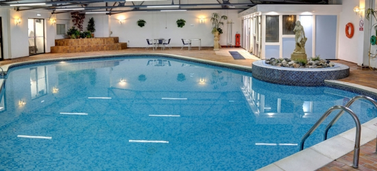 2nt Southport Stay, Breakfast, 2-Course Dining & Spa Access for 2