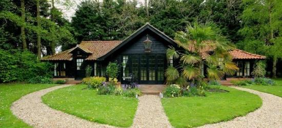 Norfolk Escape, B'fast, Tea, Scones, Hot Tub & Leisure Access for 2