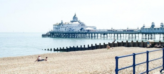 Eastbourne: Room for Two or Four with Breakfast, Early Check-in and Late Check-Out at The Shore View Hotel