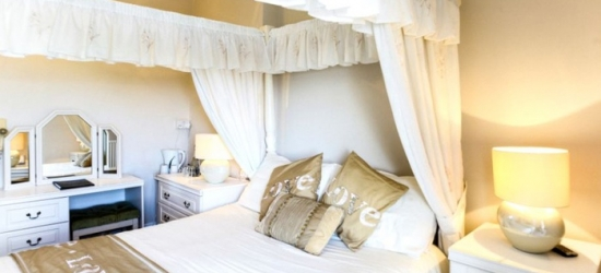 Weymouth: 2-3 Nights for Two with Breakfast, Wine and Option for Dinner at The Richmoor Hotel