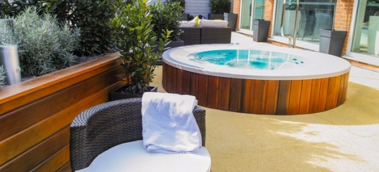 Rest and relaxation at an elegant lakeside stay with spa on the Isle Of Wight