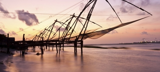 City & country Kerala tour with a scenic houseboat stay, Cochin, Thekkady, Kerala & Kumarakom, India