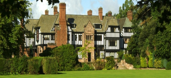 £100 per night | Inglewood Manor, Ledsham, Cheshire