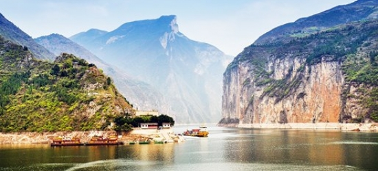 China: 15-night epic tour w/one-way business-class upgrade