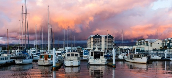 £106-- Tasmania: 2-Night Stay w/Brekkie & More, Save 39%