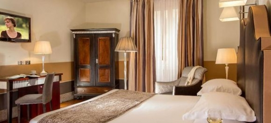 Italy / Rome - Stylish Escape to Centrally Located Hotel at the Royal Court Hotel 4*