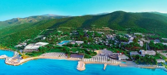 5* Greek escape to the Peloponnese with car hire